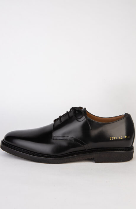 Common Projects Standard Derby in Schwarz