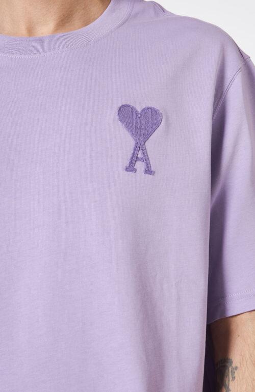 Fliederfarbenes T-Shirt