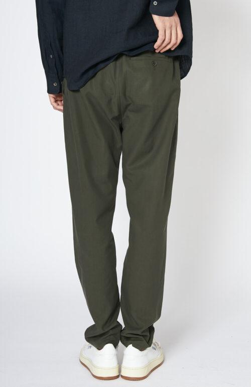 Khakigrüne Hose mit elastischem Bund