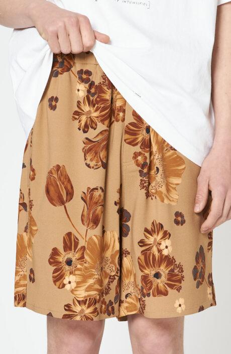 Kurze Hose mit floralem Print