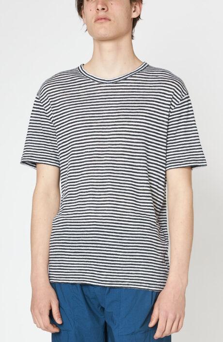 Schwarz-weiß gestreiftes T-Shirt aus Leinen