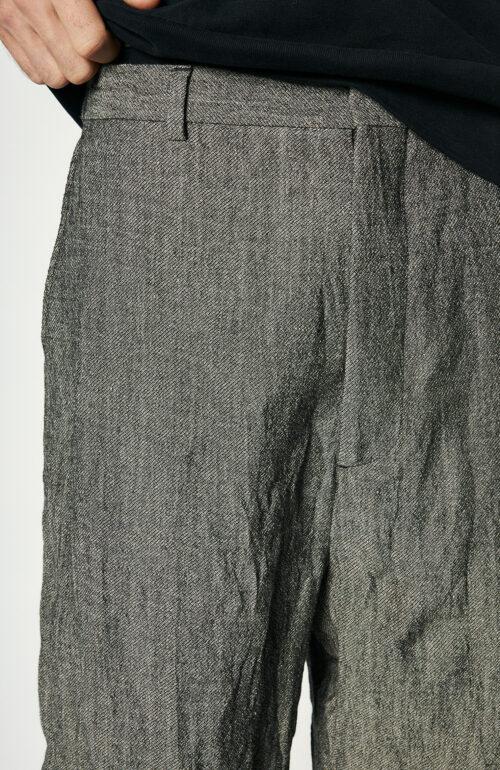 Grau melierte Hose mit weitem Bein
