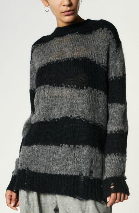 Schwarz-grau gestreifter Strickpullover im Used-Look