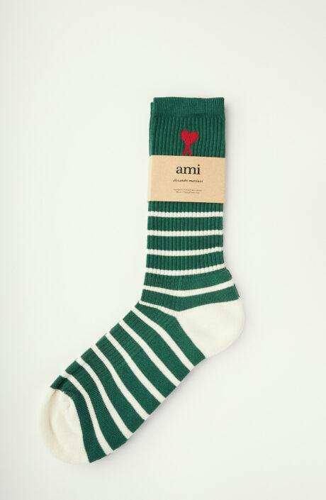 Grün-weiß gestreifte Socken