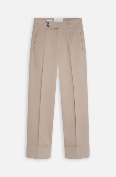 Leandra's Closed Chino Hose in sand
